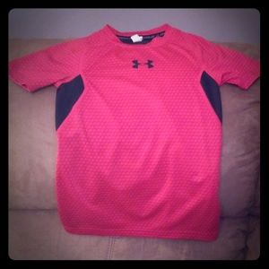 """""""Dry Fit"""" fitted UnderArmor shirt"""